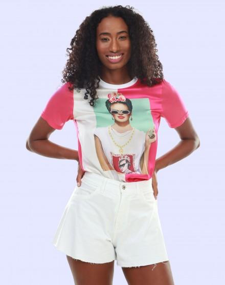 T-shirt feminina estampa frontal FRIDA LIME